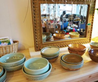 Parkdale's only retail shop represents more than 25 area artists and offers handcrafted pottery, paintings, jewelry, furniture, clothing, woodwork and more.